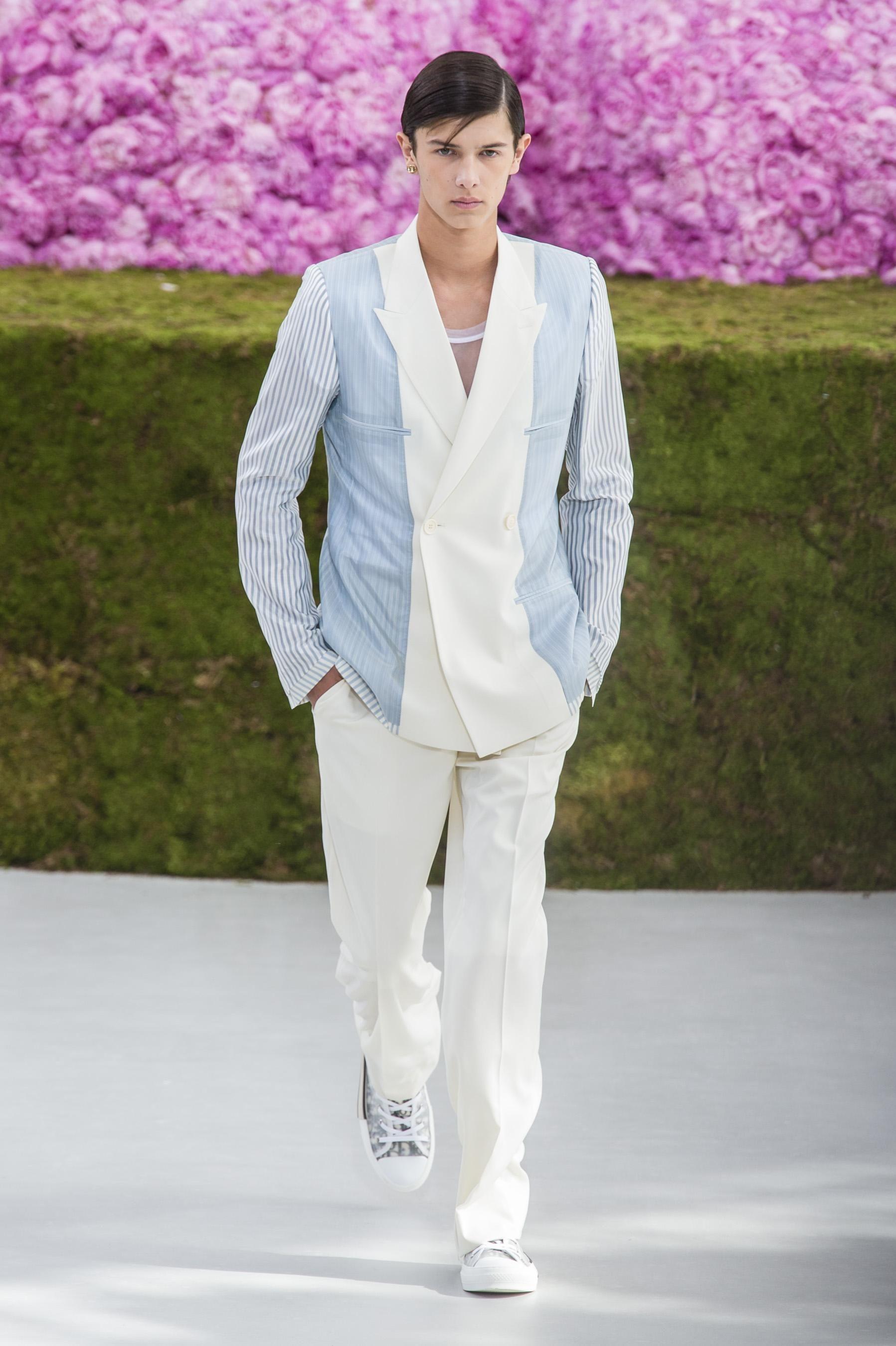 Défilé Dior Homme printemps-été 2019 Homme   Haute Couture   Dior ... 024629ecc54