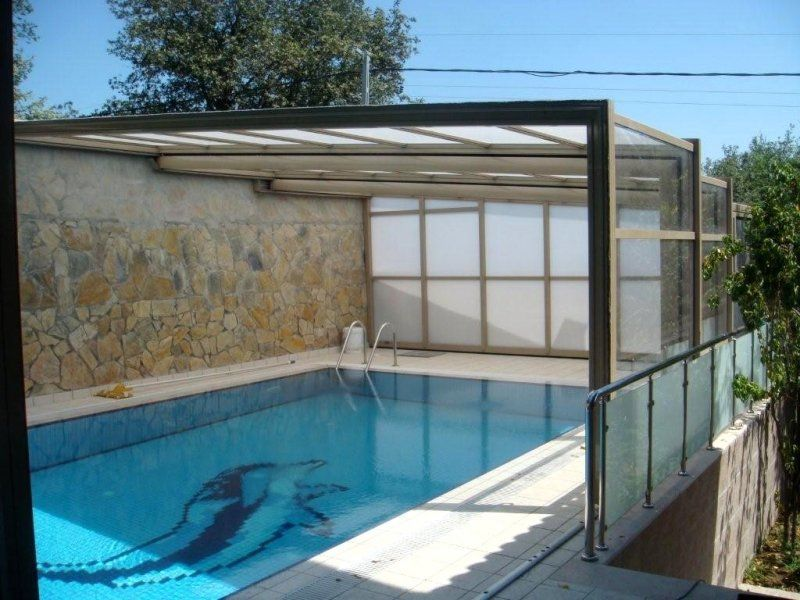 This Gentle Villa In The Heart Of Istanbul Needed To Be Able To Use Its 2nd Floor Pool More Than Just 2 Months Out Of The Yea Pool Pool Enclosures Architecture