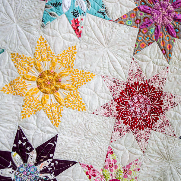 Star Dahlia Close Up In 2020 Vintage Quilts Patterns Star Quilt Patterns Vintage Quilts