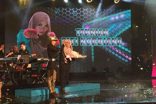 Siti Nordiana Juara Gegar Vaganza 2 This Or That Questions Essay