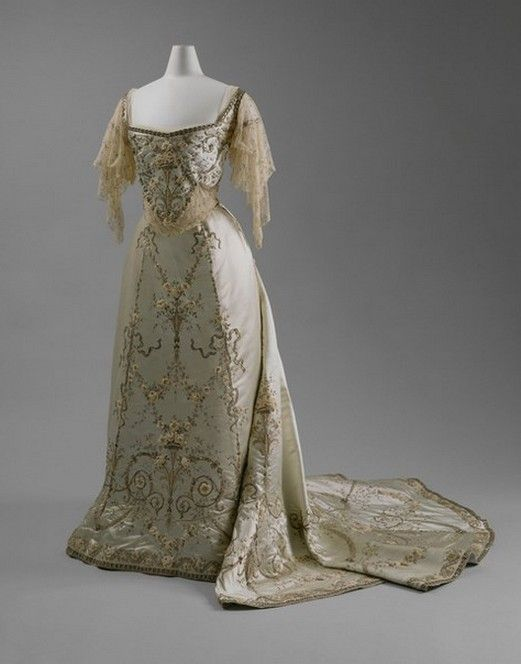 edwardian ball gowns - Google Search | Edwardian Ball Gowns ...