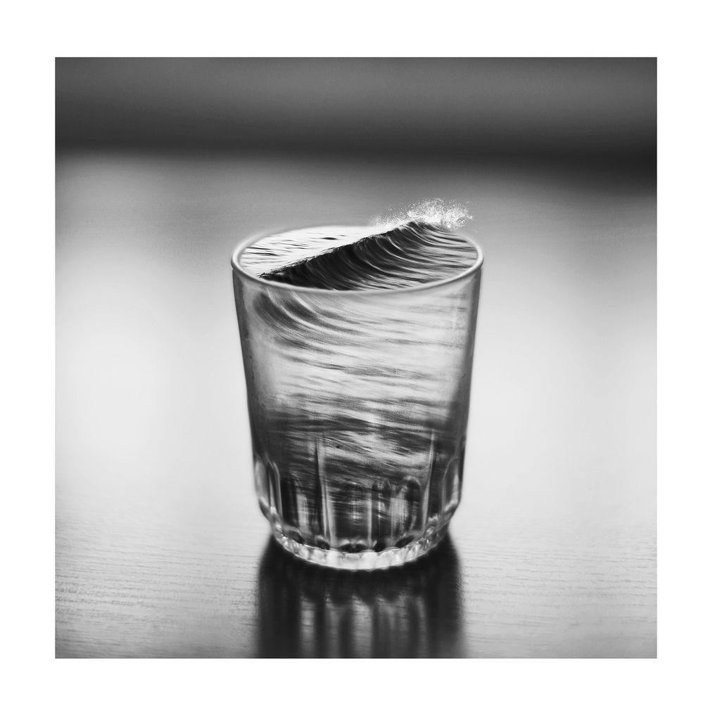 Tempestade em copo d'água  - Silvia Grav