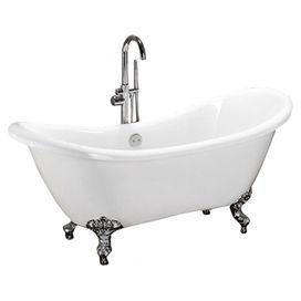 Bringing A Romantic And Relaxing Ambiance To Your Master Bath This Beautiful Tub Showcases Vintage Style Polished Chrome Claw Feet Clawfoot Bathtub Tub Bathtub