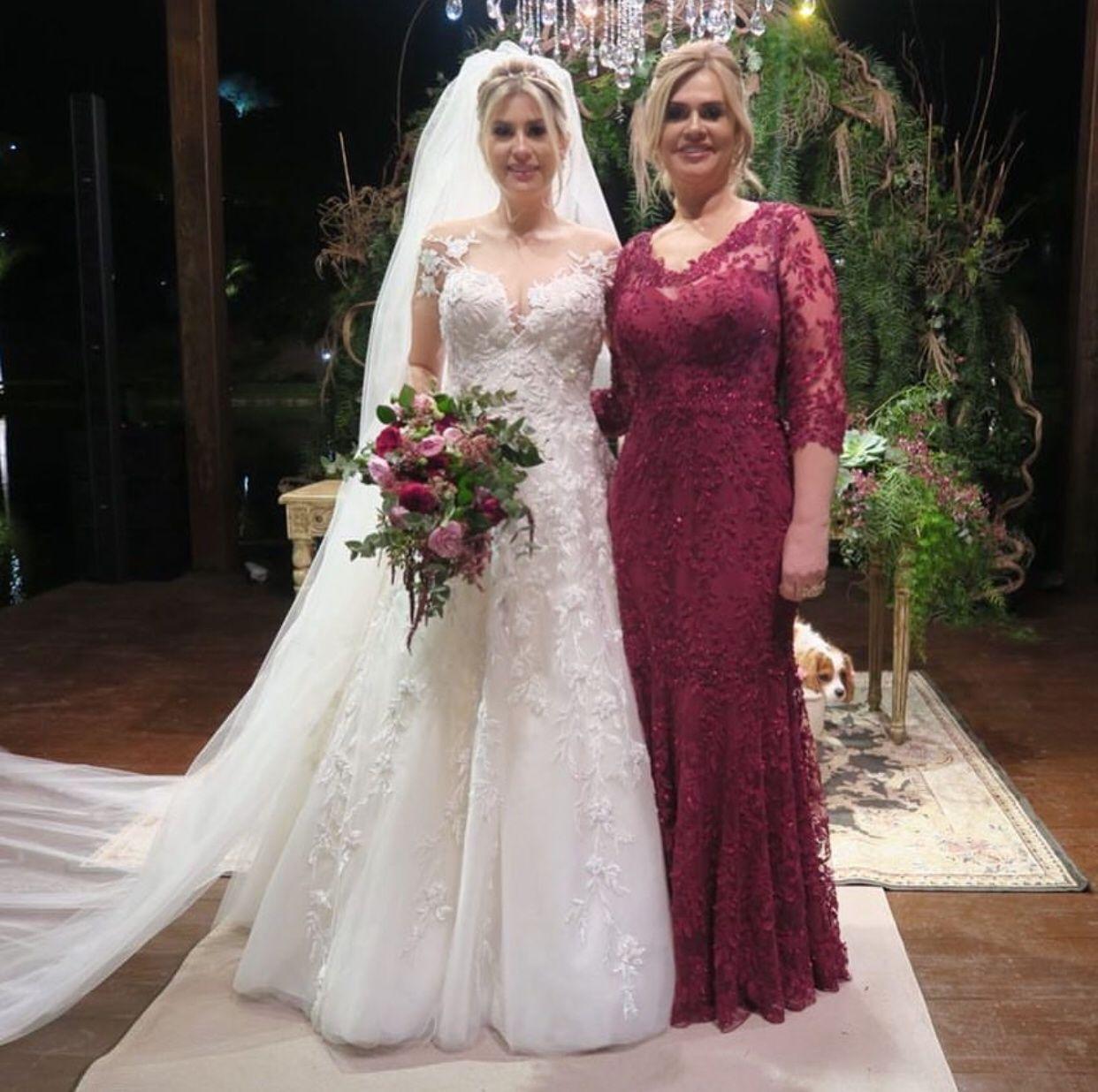 Mãe Da Noiva De Niina Secrets Veste Deslumbrante Vestido