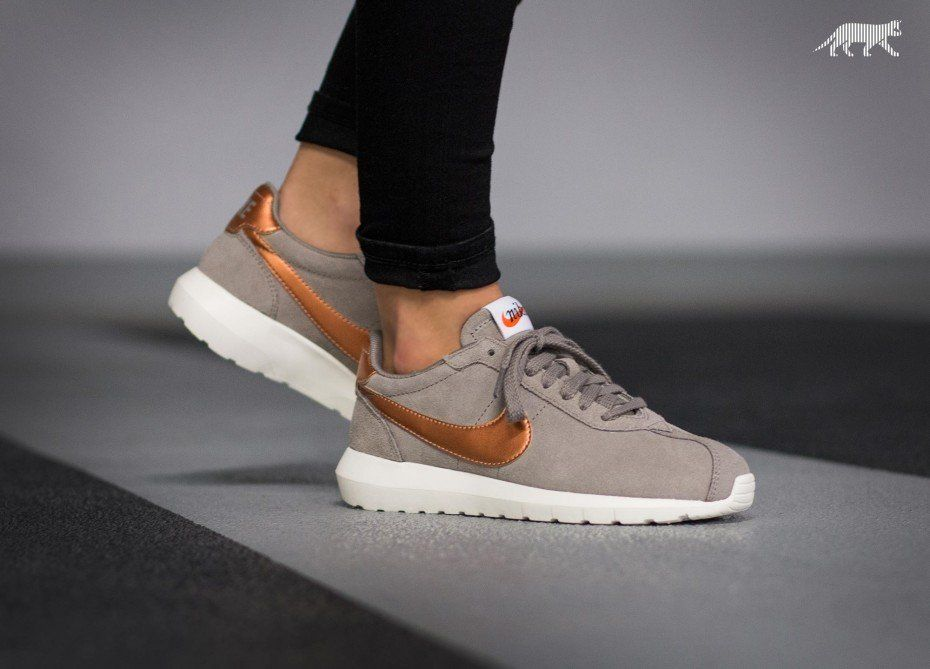 2af08cb32f2a Nike Wmns Roshe LD-1000 (Iron   Metallic Red Bronze - Sail - Cave Stone)