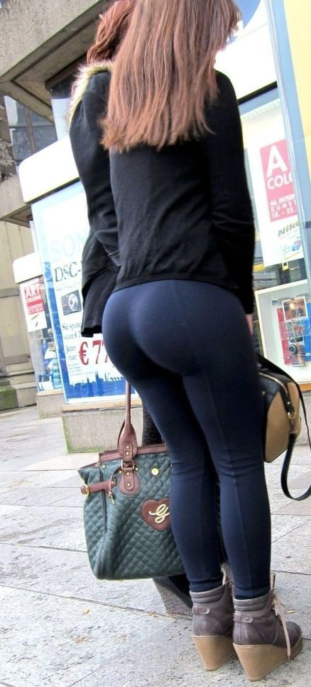 Large Butt In Yoga Pants