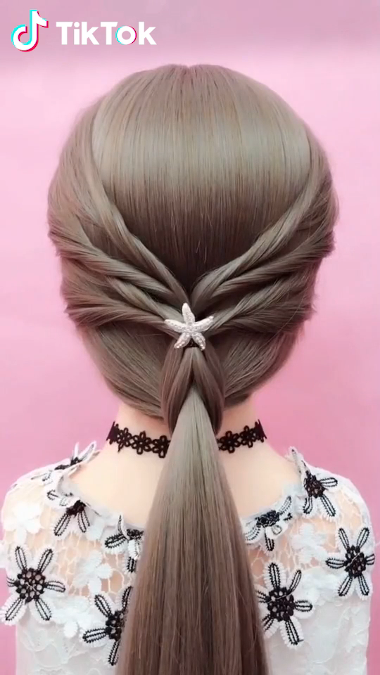 Tiktok Funny Short Videos Platform Super Easy To Try A New Hairstyle Download Tiktok Today To Find More Amazing V In 2020 Hair Styles Hair Tutorial Hair Videos