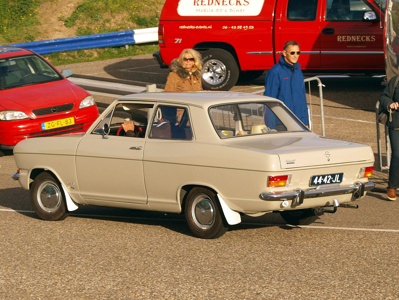 1967 opel kadett b side rear