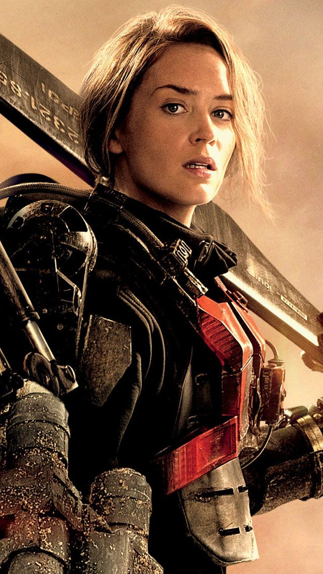 Emily Blunt In Edge Of Tomorrow Is Honesty So Hot They Could Not Have Picked A Better Actress To Play Her Ro Emily Blunt Movies Emily Blunt Edge Of Tomorrow