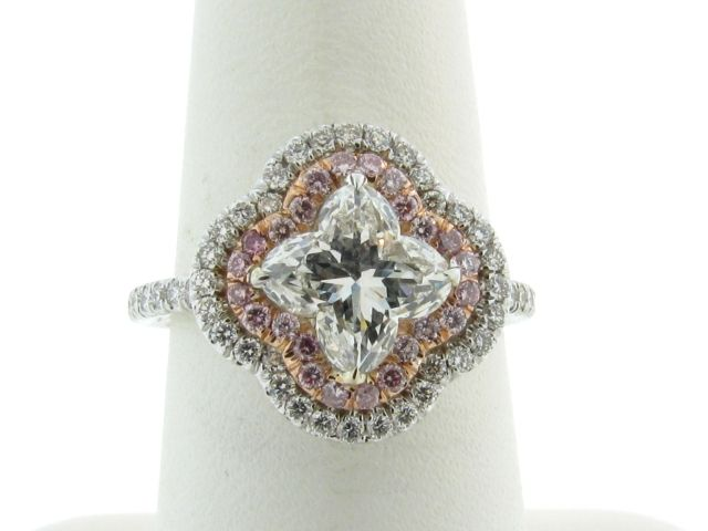 Lily Cut Diamond e ring
