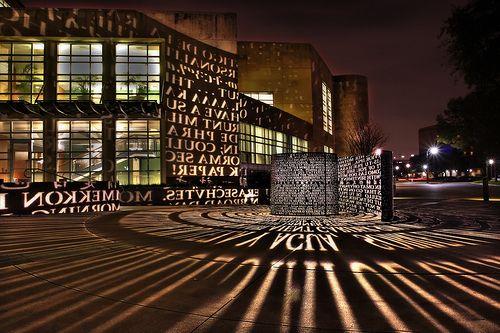 Word Art Light Sculpture University Of Houston Houston Lights