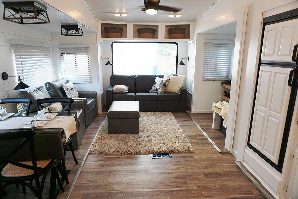 How This Woman Went From Almost Homeless To Flipping Rvs For A Living Rv Living Camper Living Trailer Living