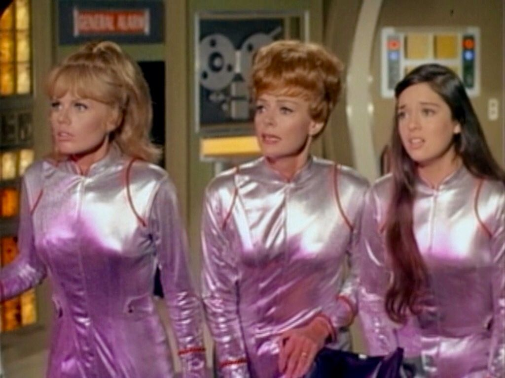Lost in Space Season 3 Episode 1