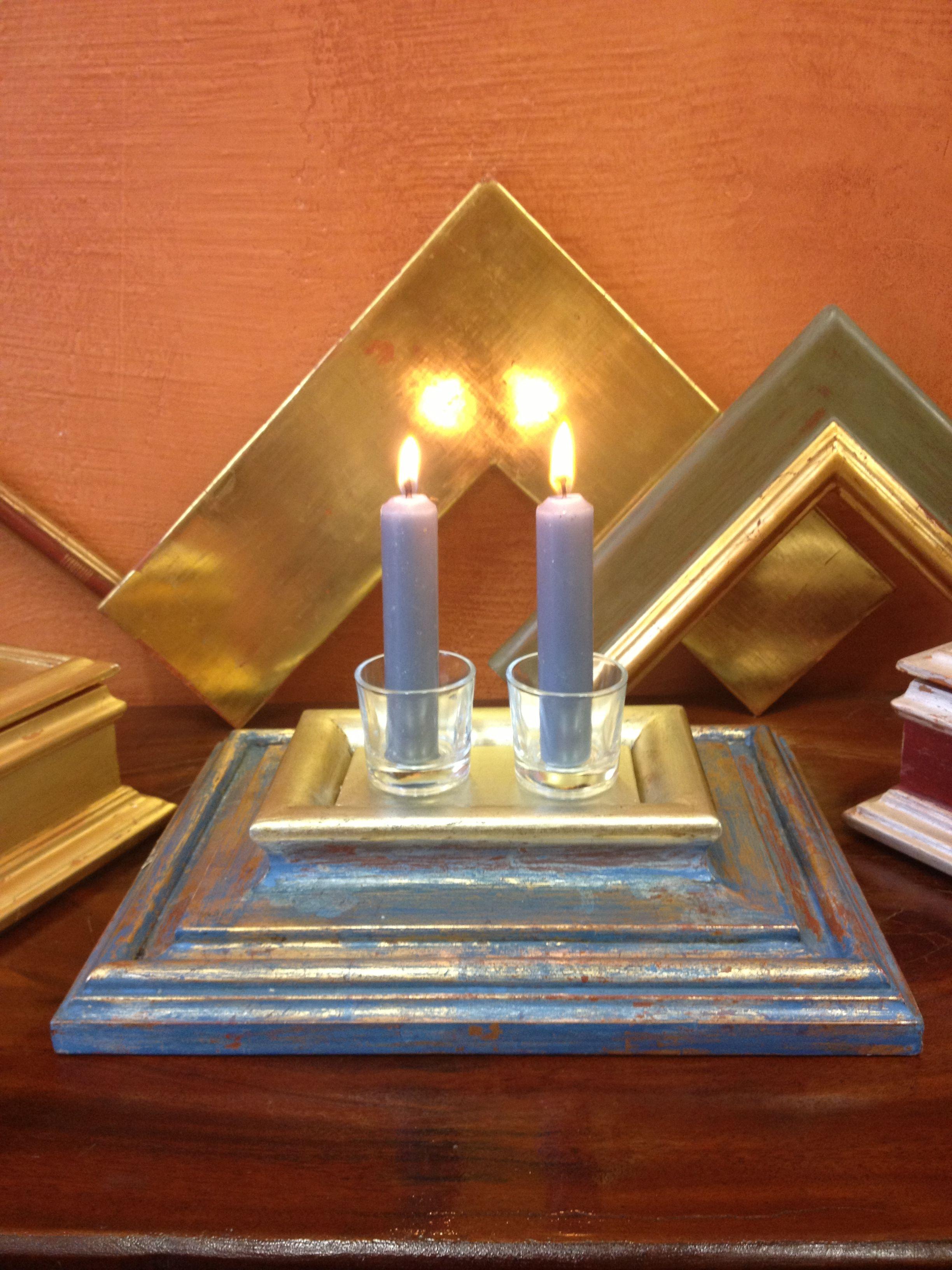Este soporte para velas est hecho con restos de molduras de marcos que luego hemos pintado y - Soporte para velas ...