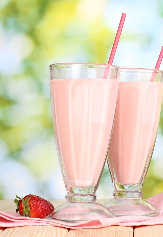 A Yummy and healthy strawberry and orange milkshake #saloni #strawberryandorangemilkshake #festivals #foods