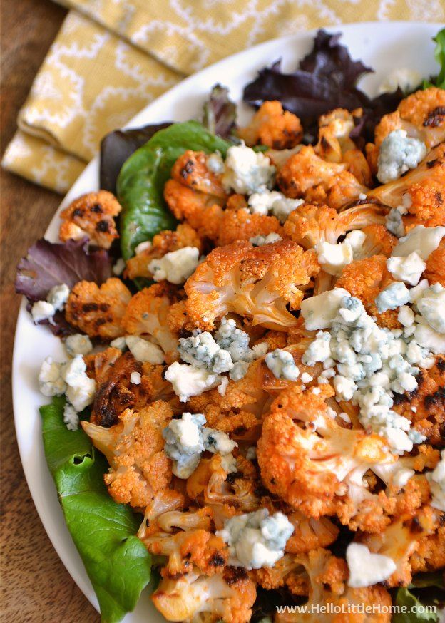 These Spicy Buffalo Cauliflower Bites make a delicious appetizer or snack! | Hello Little Home
