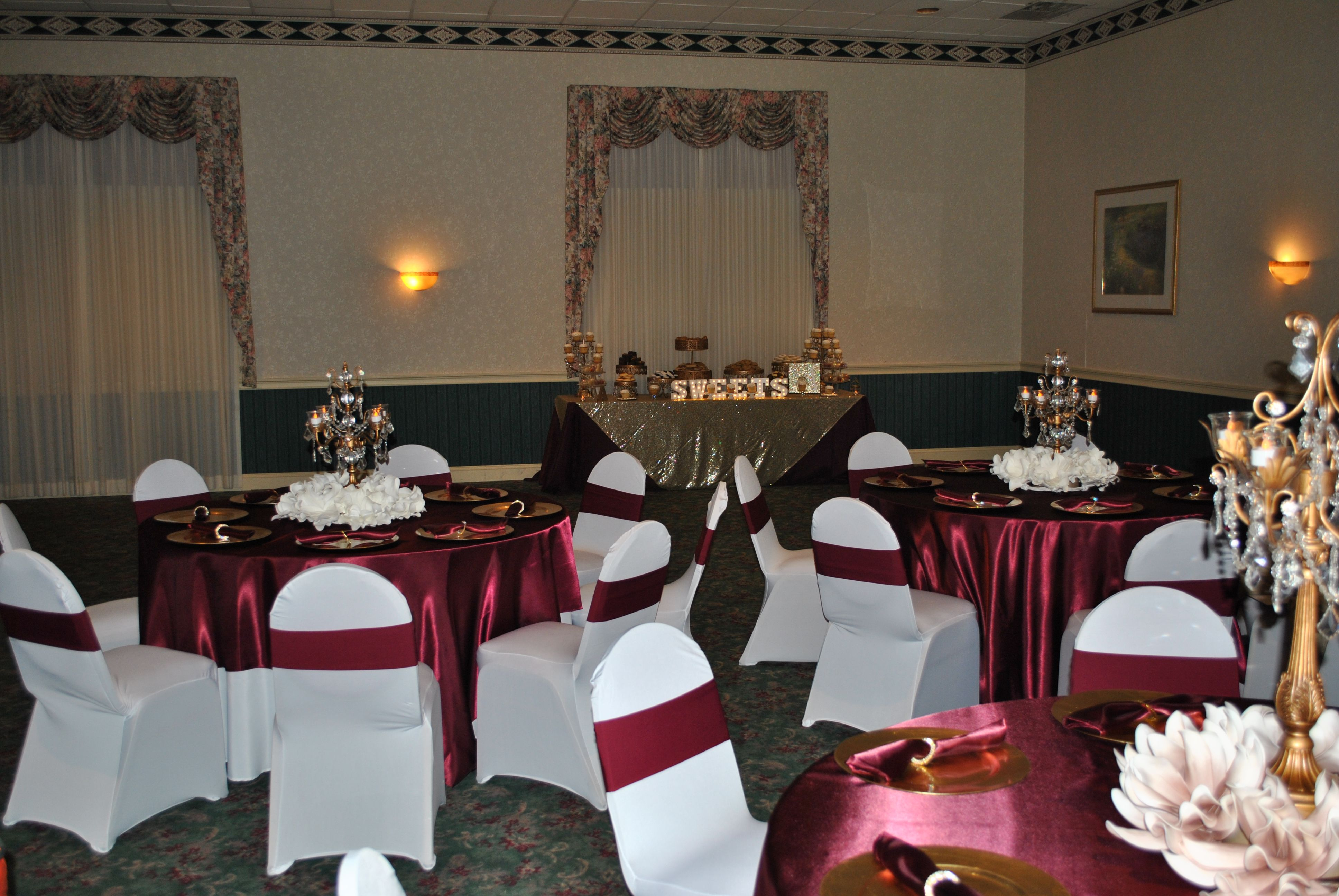 Sweet 16 Marsala Burgundy And Champagne Table Decor With Gold