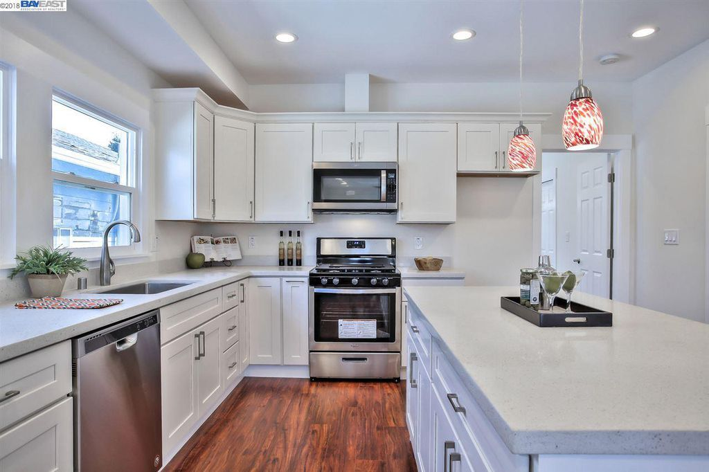Kitchen Cabinets Oakland Custom Kitchens By Johnwilkins On Instagram A Fusion Of Traditional And Retro Styles Create A Nostal Earth Tones Kitchen Custom Kitchens New Kitchen Cabinets No Matter From