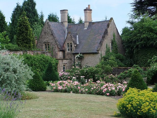 Gardener\'s cottage | Architecture