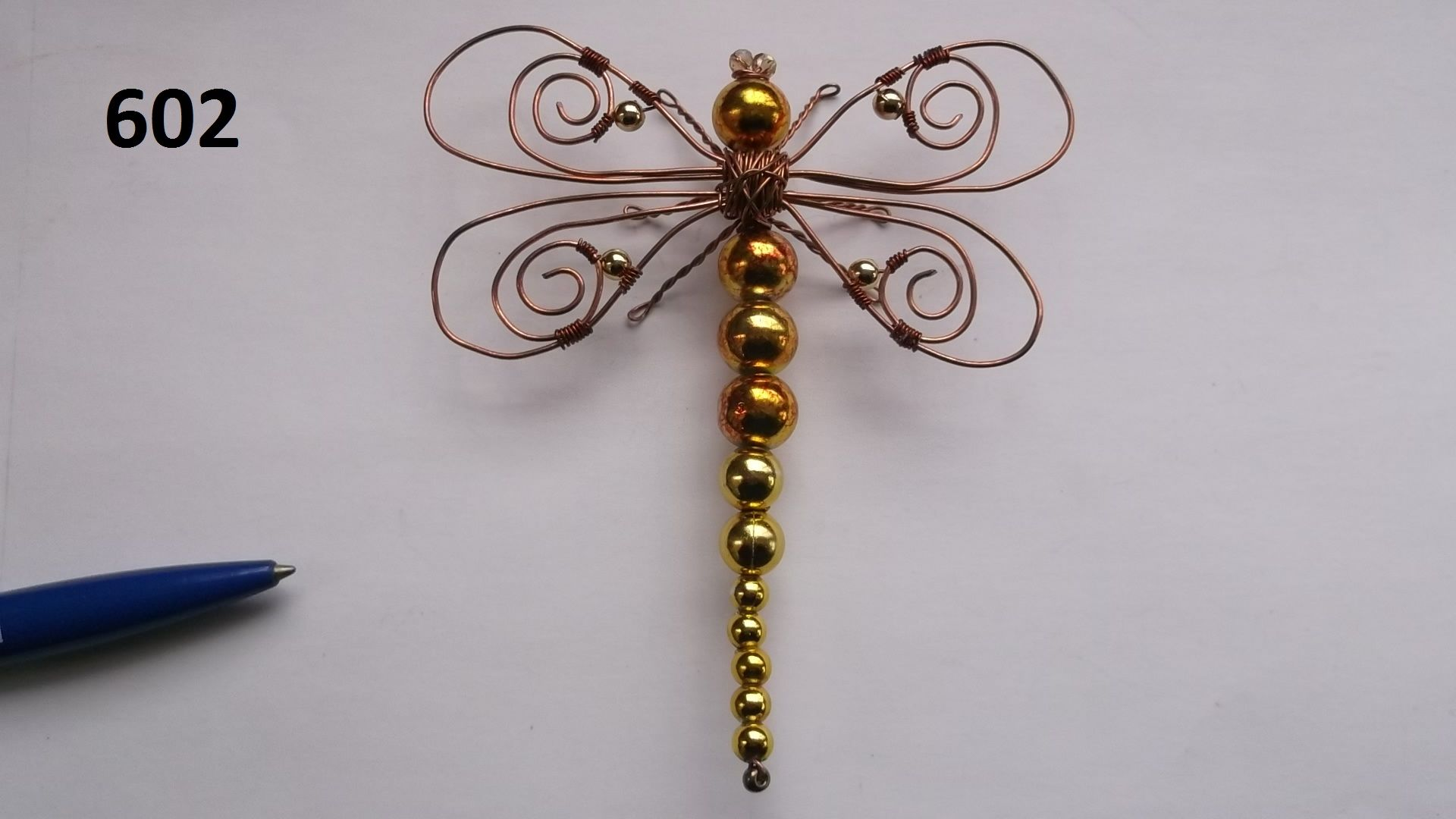 No. 602 - Dragonfly   Bugs made from wire & beads   Pinterest   Tree ...