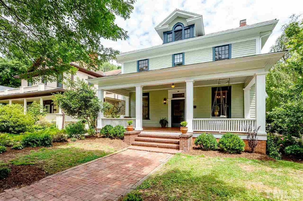 1010 Gloria Ave Durham Nc 27701 Mls 2324831 Zillow In 2020 Historic Home Durham Screened Porch