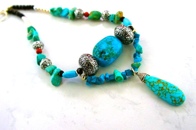 So pretty!! Love the blue and turquoise stones.