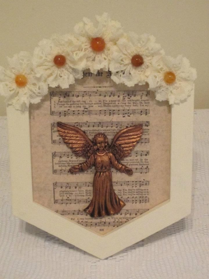 Painted frame with angel and lace flowers