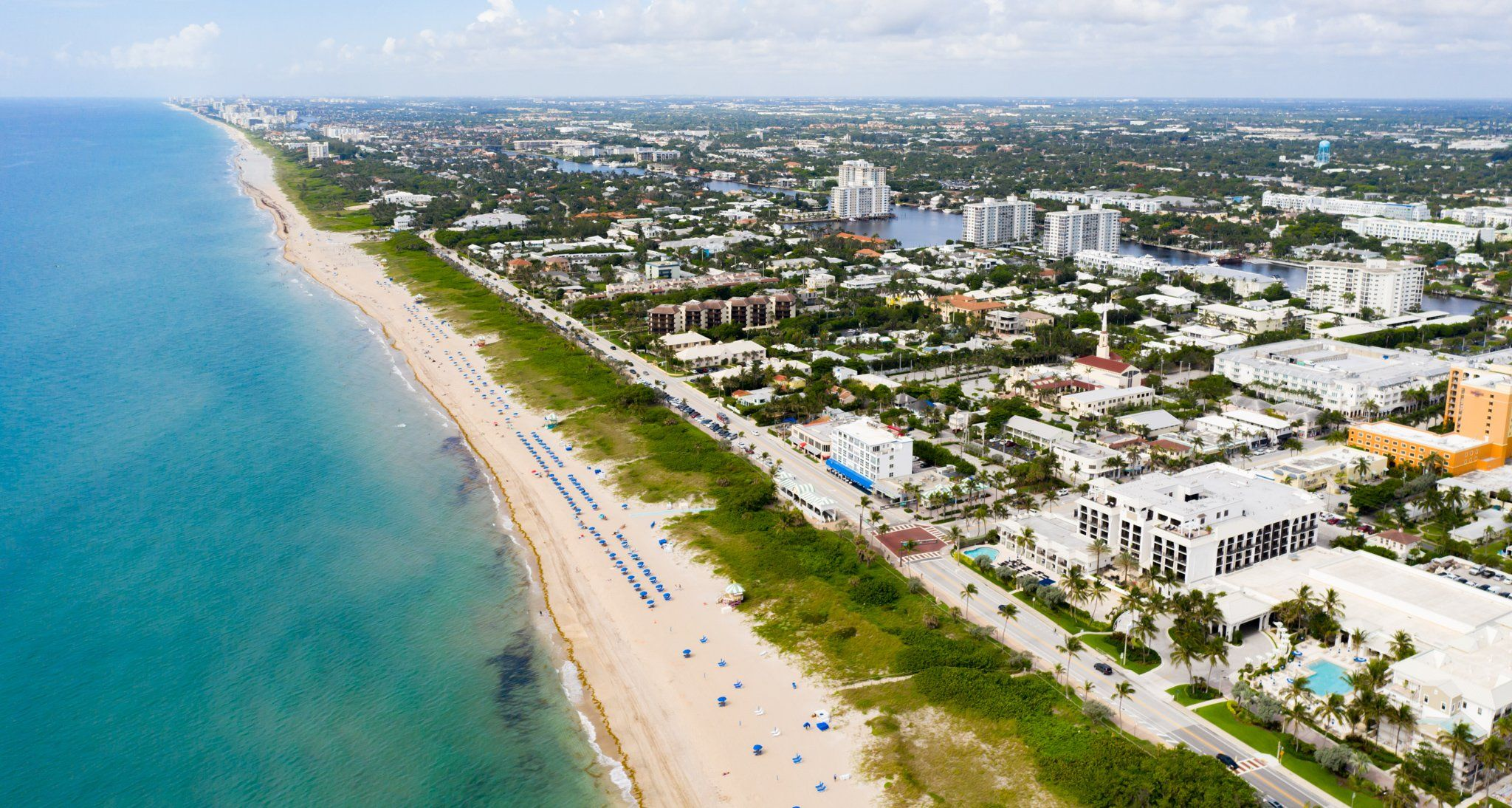 9 Beautiful Towns You Must Visit On Florida S East Coast Travelawaits In 2021 Florida East Coast Best Beach In Florida Florida Resorts