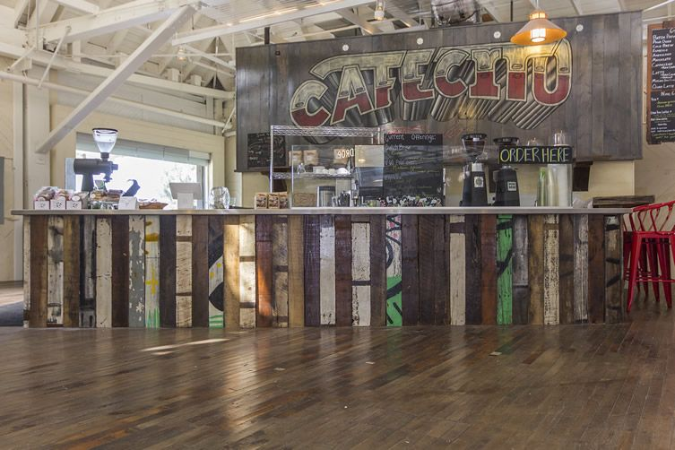 California juice-packing plant reborn as zesty café - with help from an Ohio barn... http://www.we-heart.com/2014/08/29/cafecito-organico-anaheim-california/