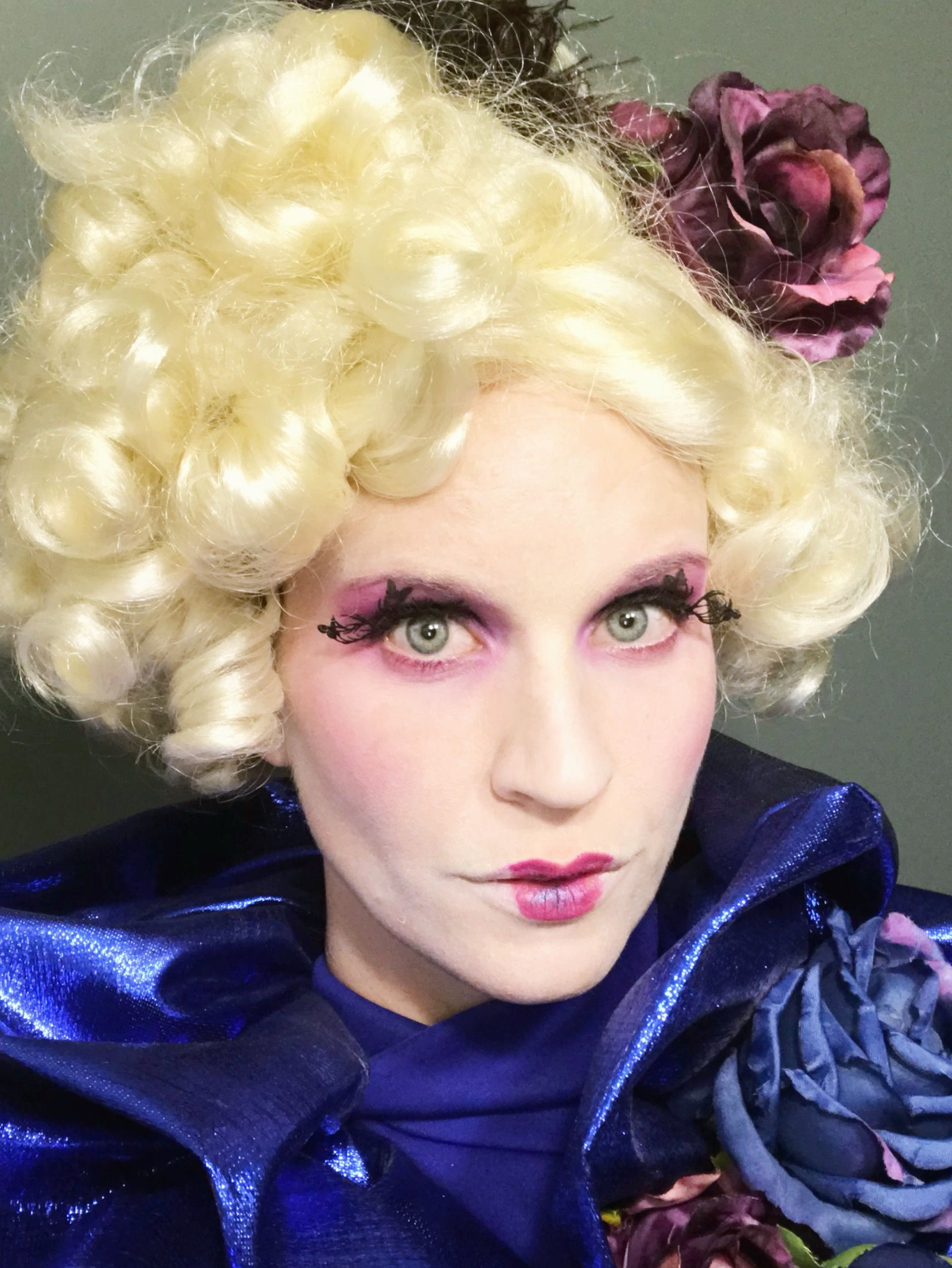 Halloween makeup looks: Effie from The Hunger Games