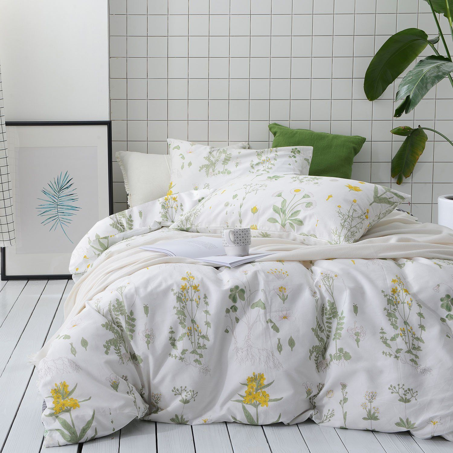 Floral Comforter Set Wake In Cloud White Flowers Pattern Printed on Light Blue Green 3pcs, Queen Size Soft Microfiber Bedding