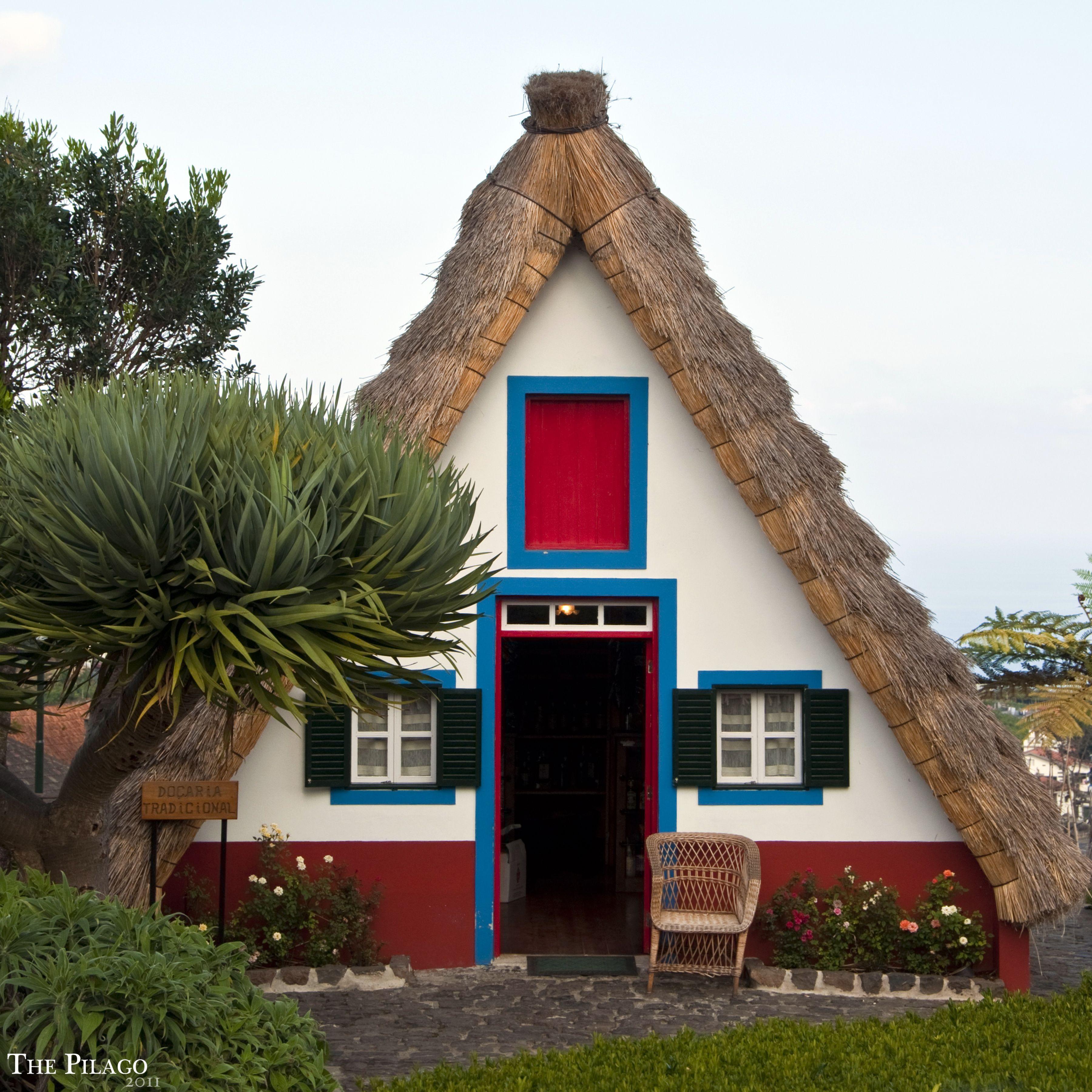 Guarda le fotografie di Santana (provincia di Madeira) e le le sue destinazioni e luoghi di interesse (# desc_zones).