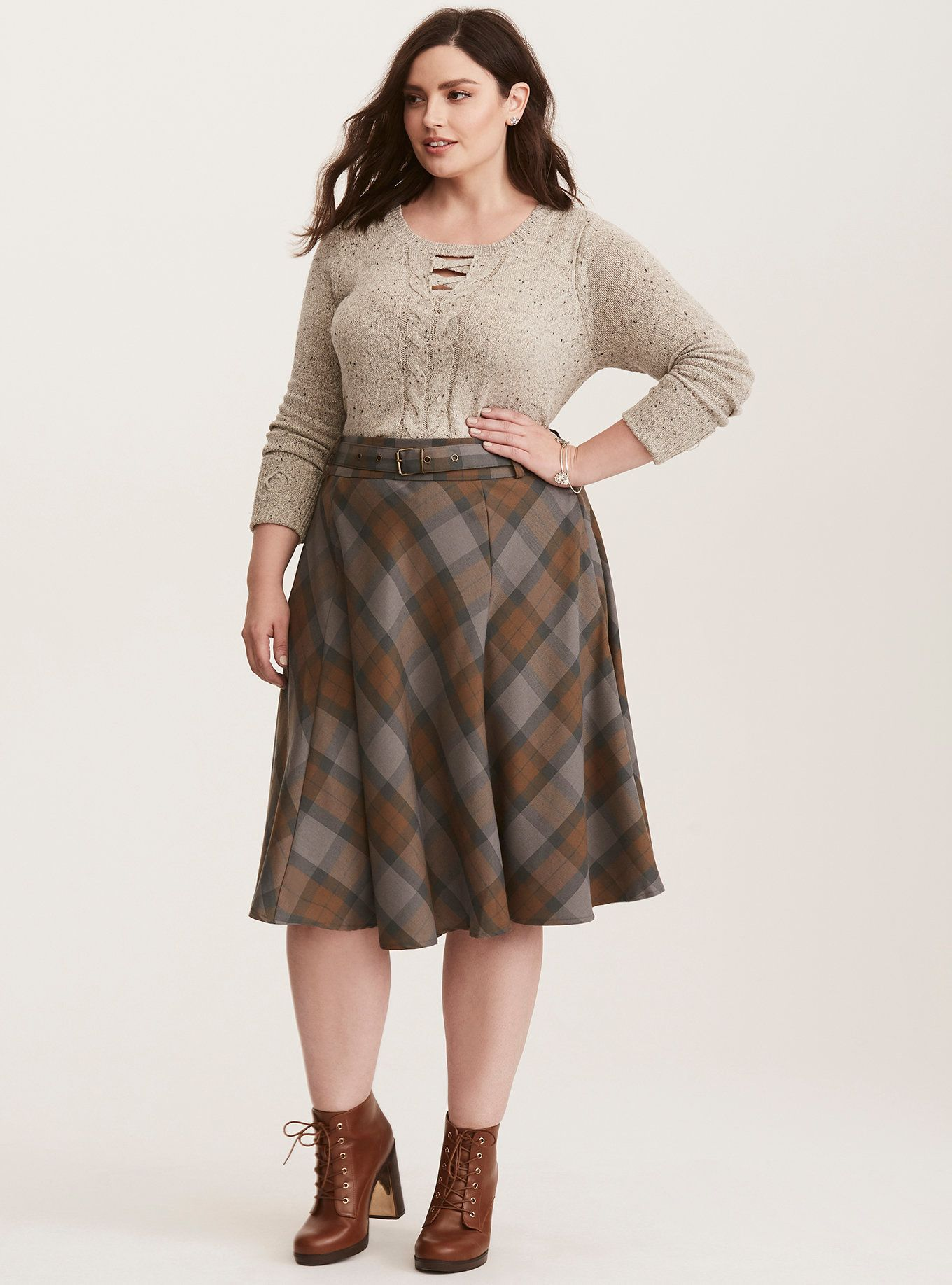 9f072b3a476f02 Torrid Outlander collection Dressy Outfits, Skirt Outfits, Tartan Dress,  Plaid Skirts, Swing