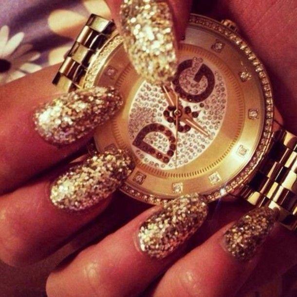 The watch and the Nails 😍 Pinterest :Chariza Kiuchi