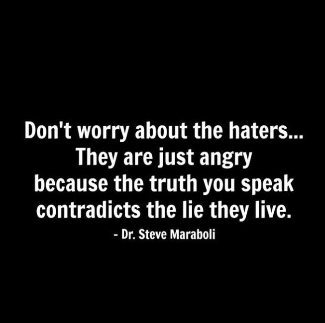 Find it highly entertaining when a person contradicts themselves❤️