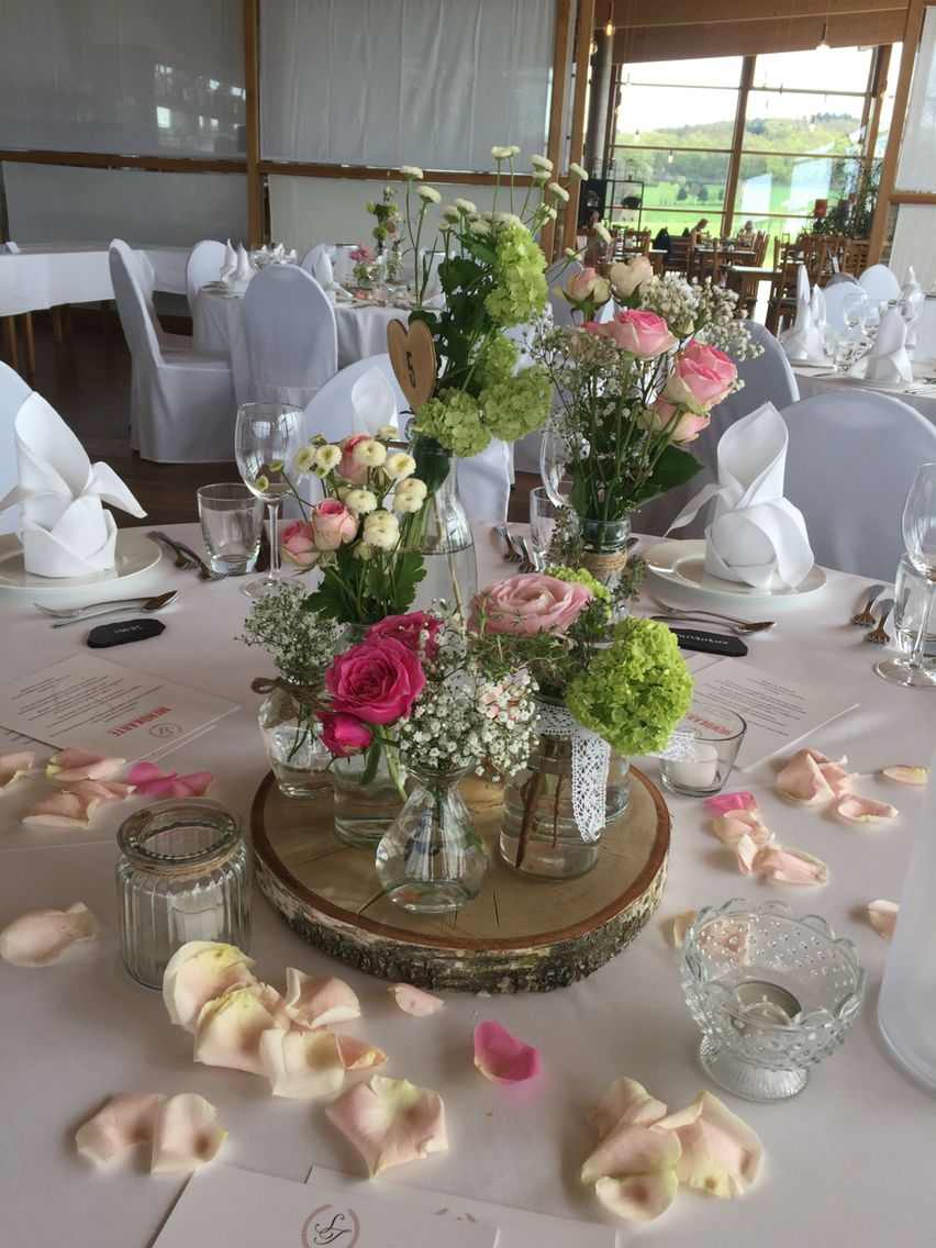 Tischdekoration Vintage  Blumendeko  Hochzeit