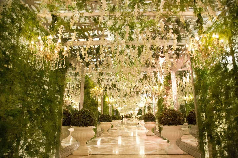 A Luxurious Enchanted Garden Wedding Theme Took Place At