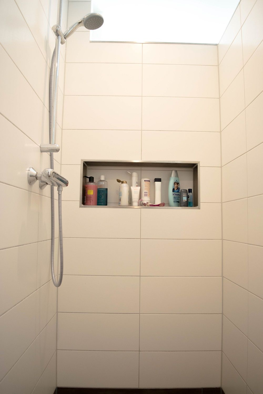 Fliesen und Badezimmer Planung im Neubau  Badezimmer  Gemauerte dusche Badezimmer mit dusche