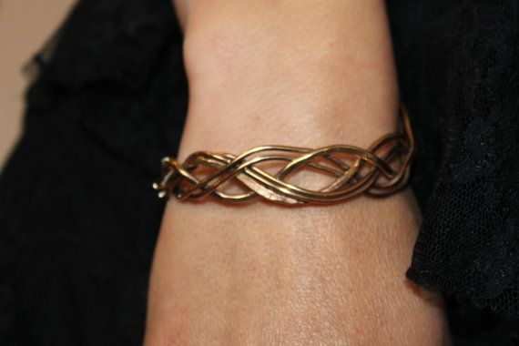 Bracelet elfic with the kingdom of  entrelac
