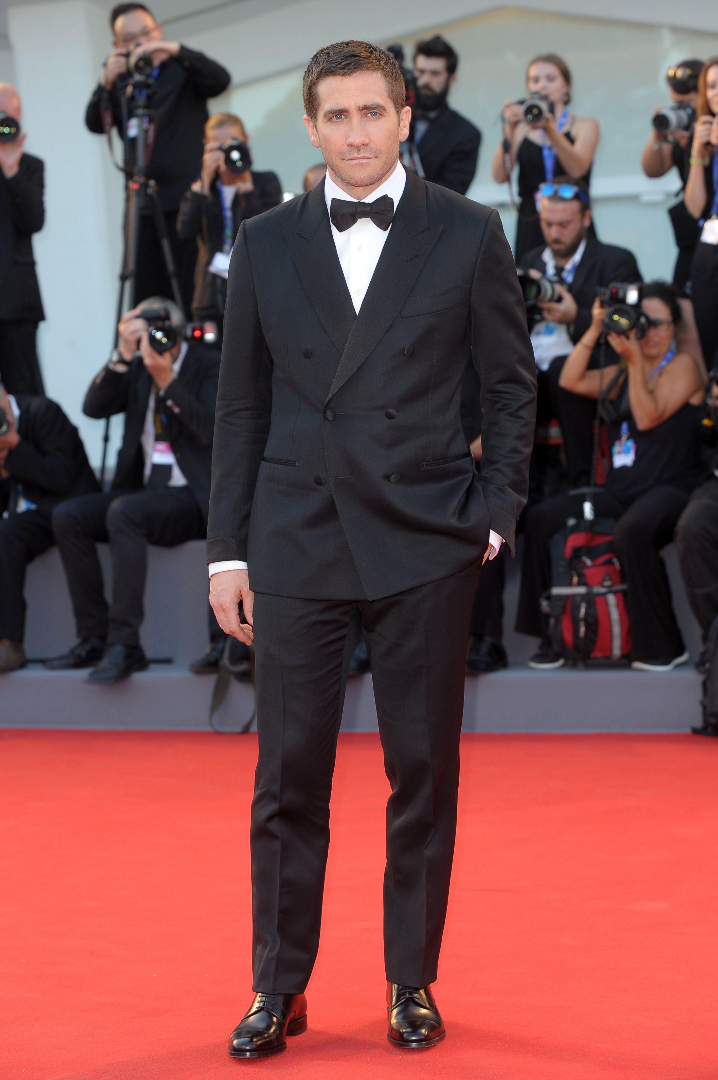 Jake Gyllenhaal - Todos los looks del Festival de Venecia 2016