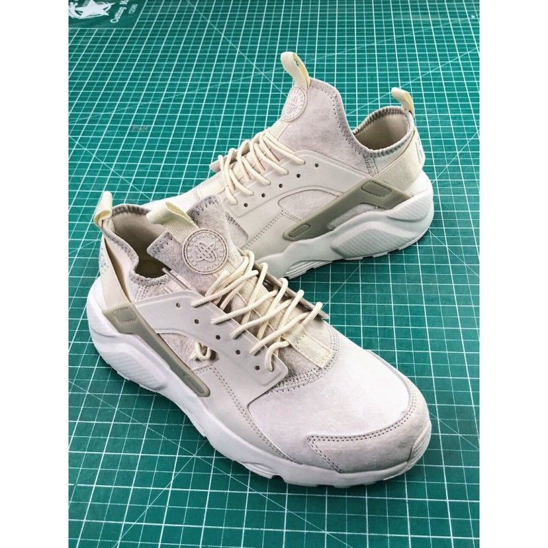 f7ec3476f6054 Nike Air Huarache Ultra Id Wallace Four Generations Vintage Jogging Shoes  Pigskin Milk White 829669-