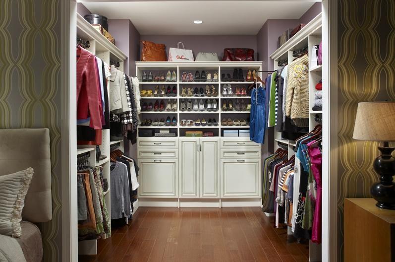 Walk In Closet Organizers: Antique White Walk In Closet