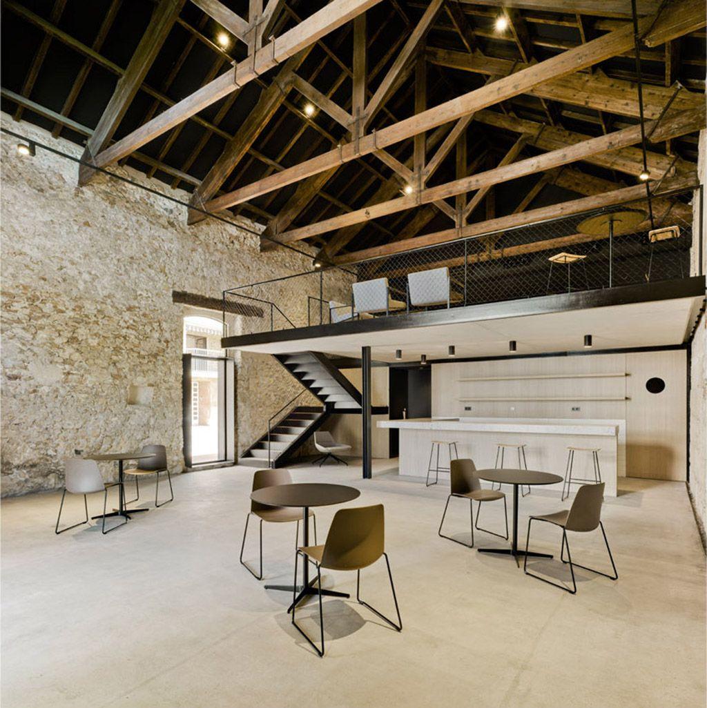La arquitectura tiende a tener un carácter permanente, pero no tanto así el uso al que se destina. Cada vez…