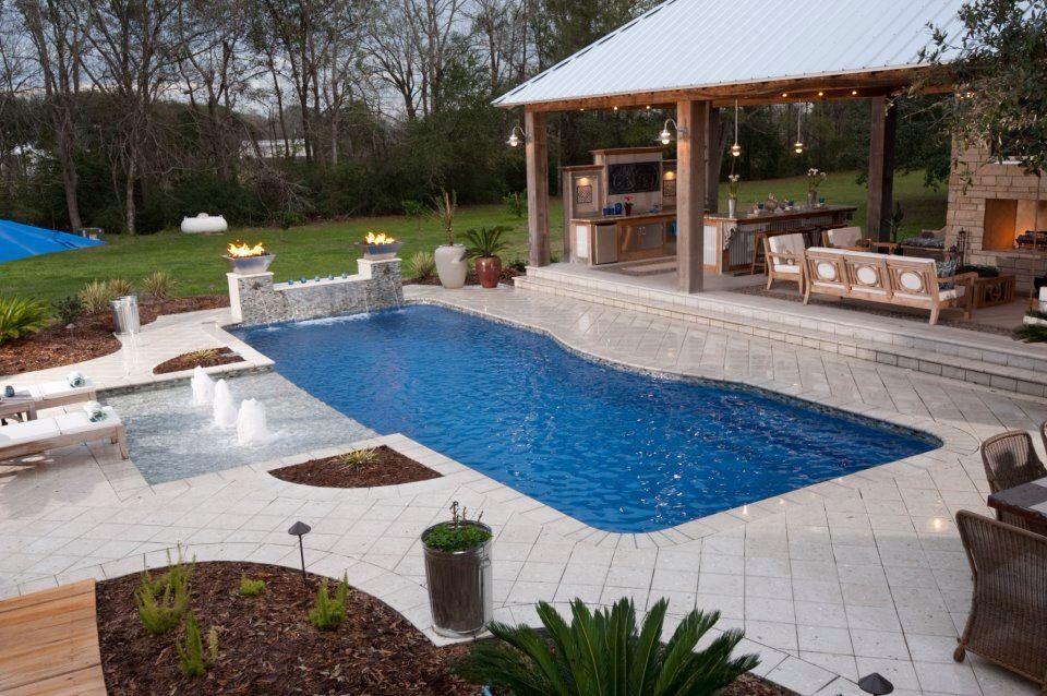 Fiberglass Pool, Tanning ledge, Outside Kitchen Cajun
