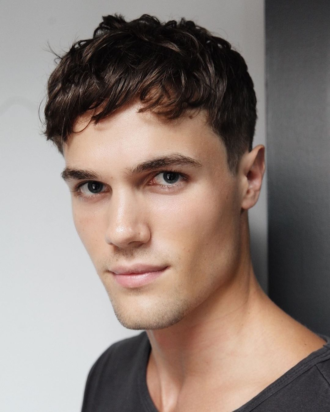 20 Popular Men S Haircuts 2020 Trends Styles Wavy Hair Men Short Textured Hair Haircuts For Men