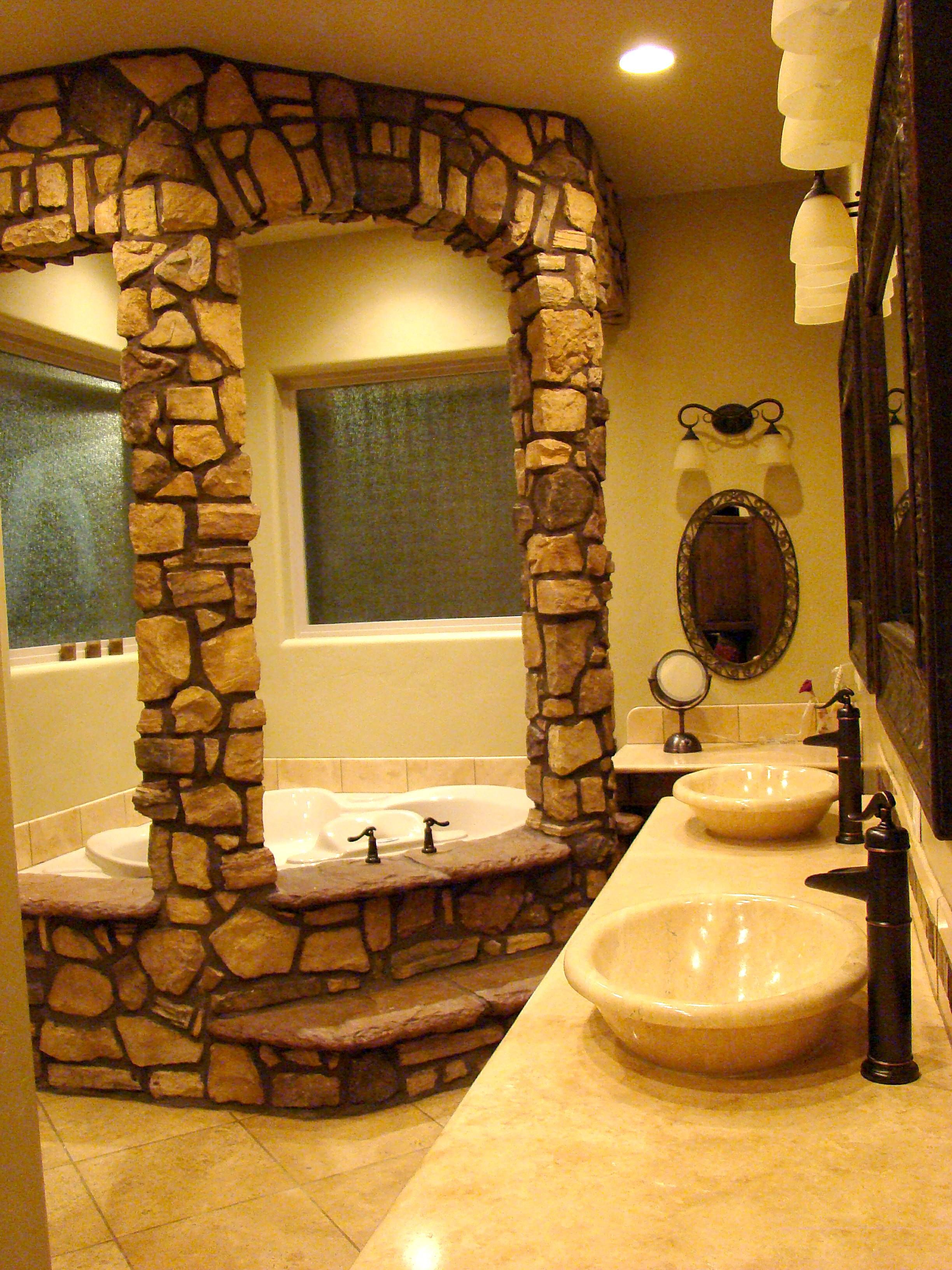 I never would have thought of putting stone in the bathroom... It ...