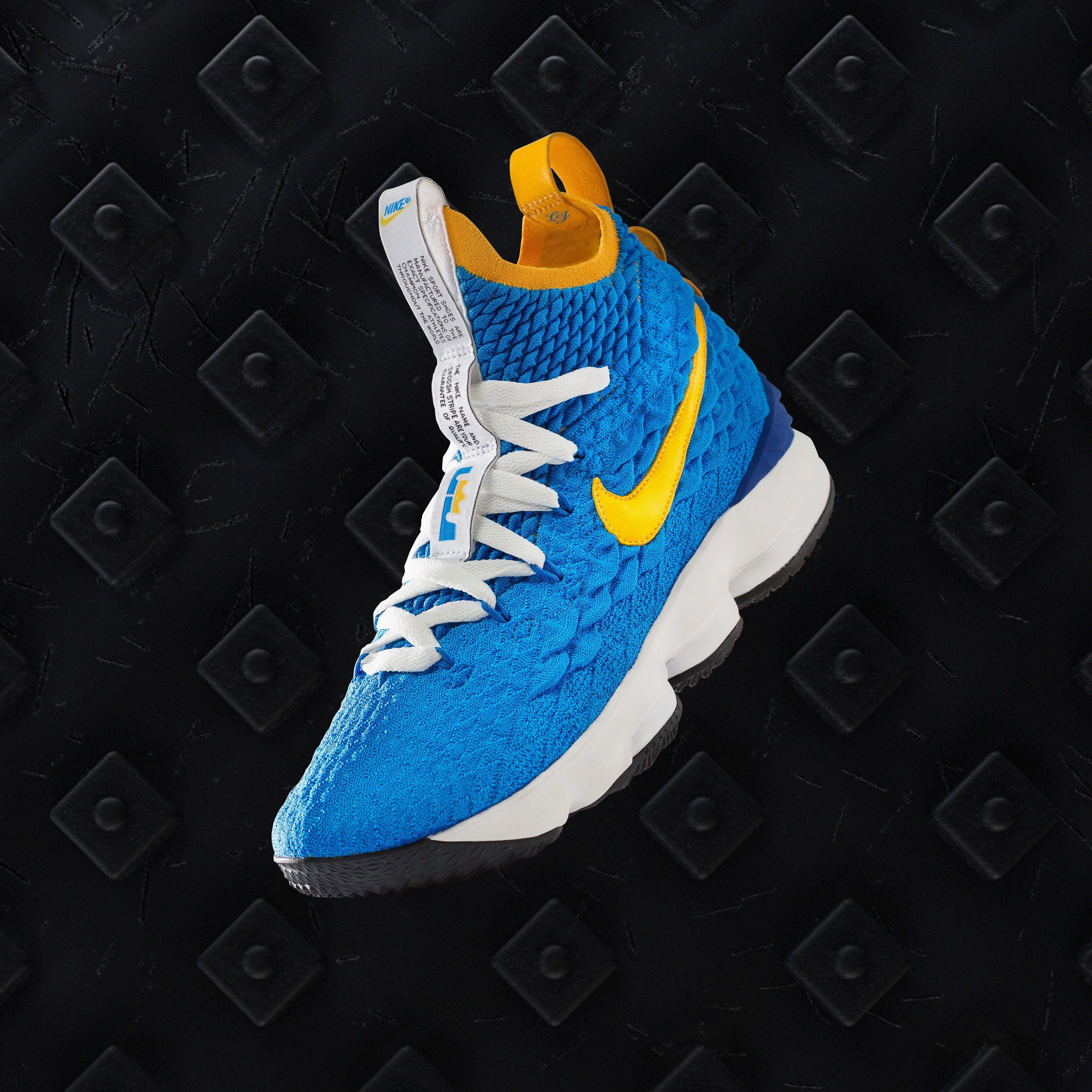 big sale 37b75 68cb5 Nike LeBron 15 PE
