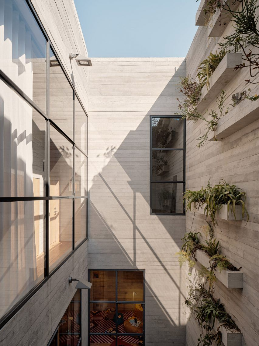 A Penthouse Dwelling Spans The Top Two Storeys Of Polanco And Is Complete With A Terrace That Over Traditional Building Residential Building Apartment Building