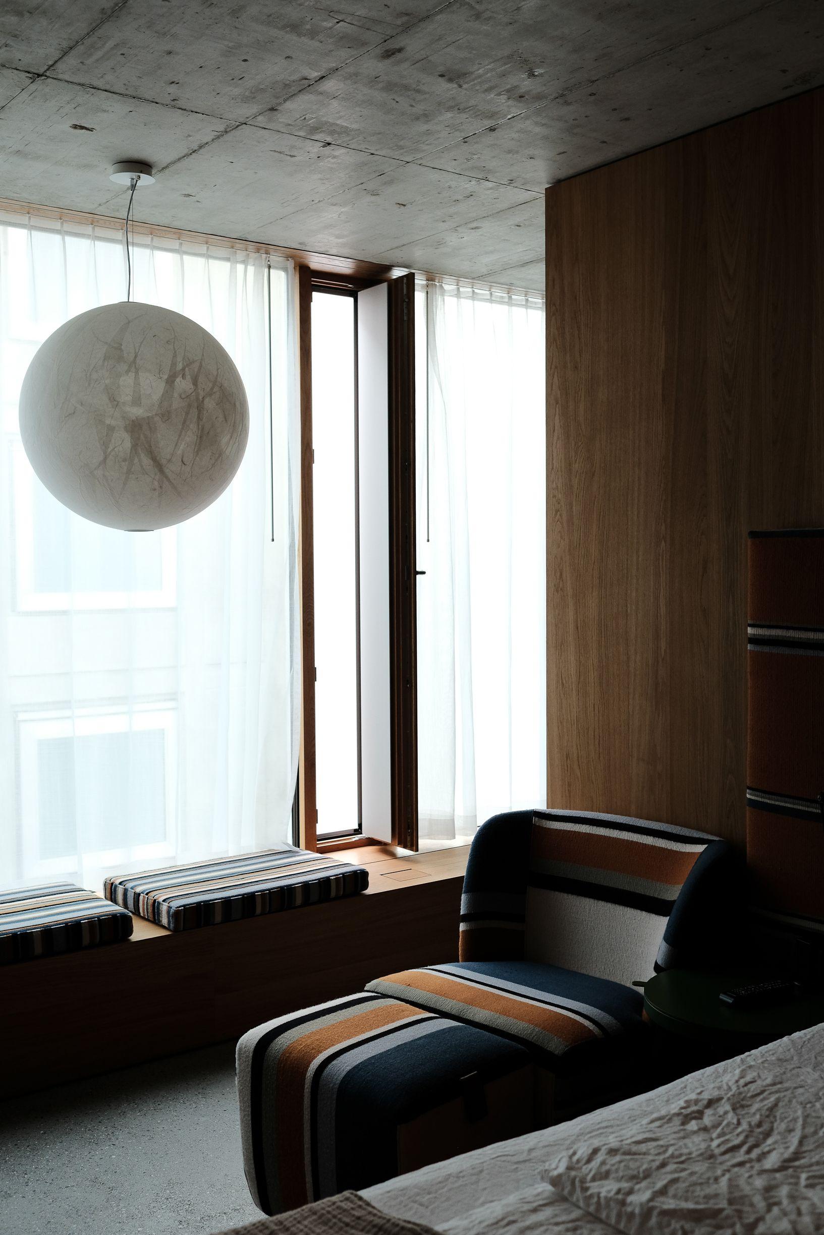 lüftungsflügel, sitzbank, festverglasung, fenster hotel | 334