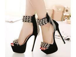 Resultado De Imagem Para Fotos De Sapatos De Salto Alto Mais Lindos Do Mundo Sapatos De Salto Alto Sapatos De Grife Saltos Brilhantes